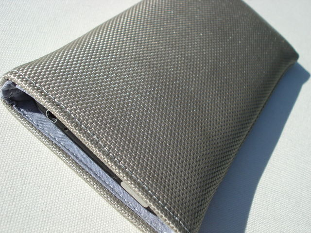 Skinny sleeve for iPhone 3GS (Silver Grey) £17.00 plus £3.50 p&p
